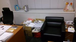 明後日から国会が始まるため、議員会館の部屋を整理しました。ゴミが出るわ。出るわ。