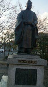 足利尊氏公の像。