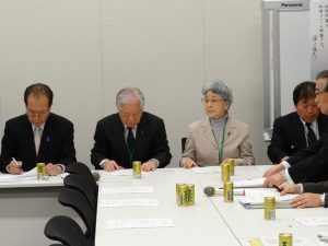 総会に参加した横田夫妻