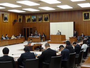 文部科学委員会で下村大臣の趣旨説明を聴取