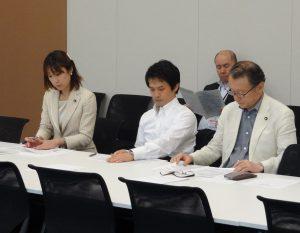 総会終了後、少子化・人口減少問題検討チームに出席。こちらも喫緊の課題が山積しております。