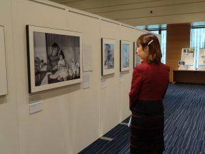 拉致問題に関する写真パネル展