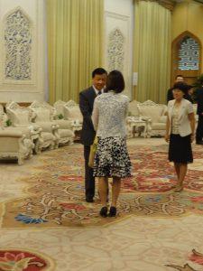 人民大会堂にて、中京中央政治局常務委員の劉雲山氏と会談