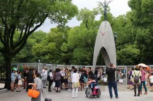 多くの外国人が訪れていました。一人でも多くの方々に是非、原爆の悲惨さについて知って頂きたいと思います。
