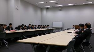 男女共同参画内閣部門会議。多くの省庁に跨る為説明者の数が多くて大変です。