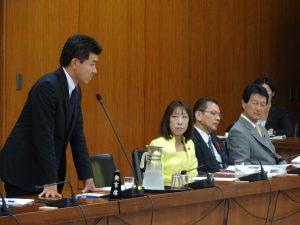 災害対策特別委員会にて。民主党からは泉健太議員が質疑に立たれました。