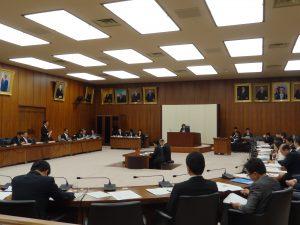 文部科学委員会にて一般質疑が行われました。