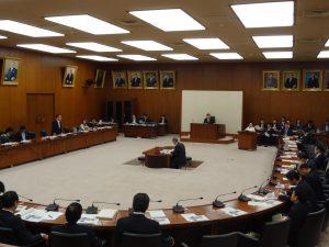 災害対策特別委員会に出席。