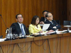午前中は文部科学委員会にて原子力損害賠償法の質疑がありました。