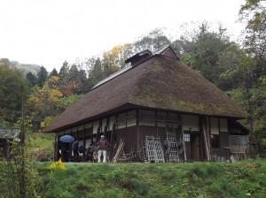 中越地震で被災した山古志の古民家を建て替えて移築したそうです