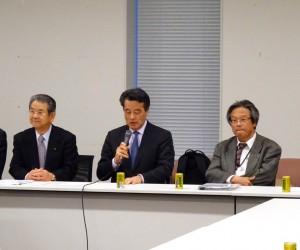 安全保障調査会の冒頭、岡田代表より挨拶。党としての安全保障に関する考え方を立案する。