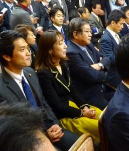 本日の代議士会。西川農水大臣辞任の影響で、本会議も3時間遅れの開始となりました。