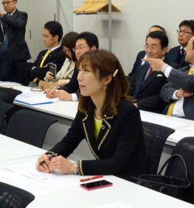 政策上の諸課題について知見を高める政策勉強会に出席。