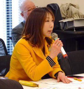 文部科学部門会議では、投票権が18歳以上となる見通しに備え、主権者教育の取り組みについて文科省・総務省と意見交換しました。