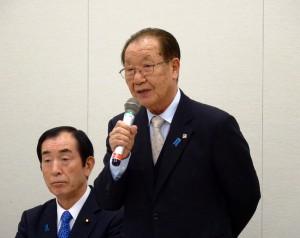 家族会から飯塚繁雄代表らにお越しいただきました。