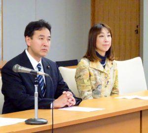 バヌアツ大型台風被災への義援金贈呈式に出席。