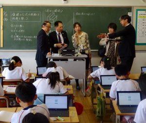 タブレットを使った算数の授業。