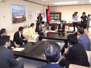 泉田新潟県知事と面談しました。