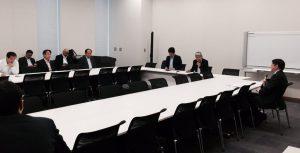 党総務・内閣部門会議では大阪都構想住民投票について片山善博慶応大学教授からヒアリングが行われました。