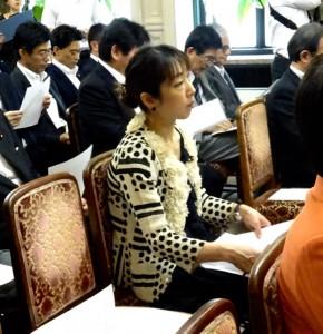 代議士会にて。本日の本会議にて学教法改正案が可決されました。