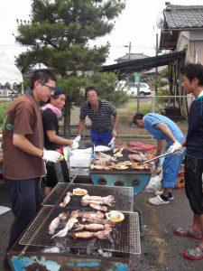 根岸地区の各町内が、様々なブースを出していて、とても楽しく活気あるお祭りでした。
