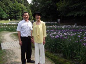 しらさぎ公園の花菖蒲まつりにて、田上町の笹川町議と。