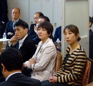 今朝は、髙木国対委員長から国会情勢についての話があり、多くの仲間が出席しました。