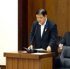 所信を述べる遠藤大臣