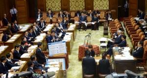 総理はじめ担当大臣出席のもと安保法制特別委員会が開かれました。