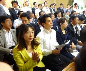 代議士会では、すべての議員が結束して、強行採決に断固抗議していくことを確認。