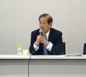 講師は、主権者教育について長年、研究されている政治解説者の篠原氏。