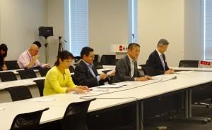 オリパラ公共事業再検討本部会合に出席。