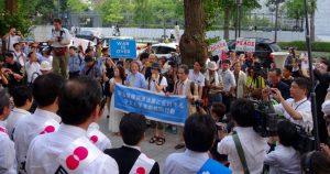 国会では若者を中心とした安保法制反対の請願が行われました。