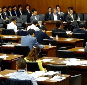 東日本大震災復興特別委員会に出席。