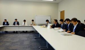 文部科学部門会議では、エンブレム問題について五輪組織委員会からヒアリングを受けました。
