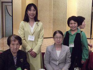 赤松さん、村木事務官と同じテーブルを囲みました
