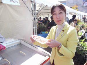 JAさんの豚肉の試食。人気で大行列でした。