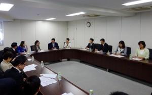 台湾では来年1月に総統選挙が行われます。蔡主席は有力な候補者で、8年ぶりの政権交代を目指しています。