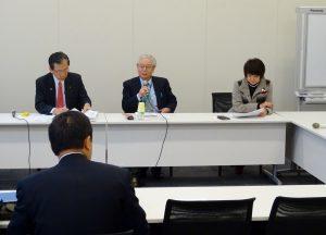 文部科学部門会議。共栄大学藤田英典教授から「民主党の教育政策」と題して、お話を伺いました。