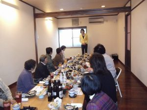 お昼は、荻川まきこ会の新年会を開催しました。