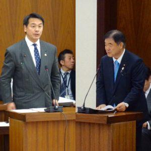 所信を述べる馳文科大臣と遠藤オリパラ大臣。