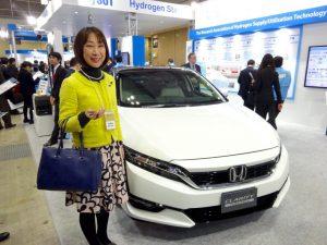 3月10日発売ホンダの燃料電池自動車クラリティ。