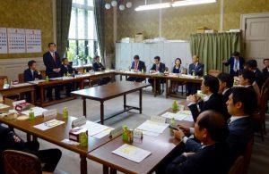 お昼は、国対役員・理事合同会議が開かれました。