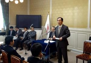 代議士会。髙木国対委員長の挨拶。