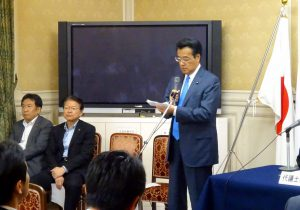 代議士会では岡田代表より野党4党首による党首会談の報告。