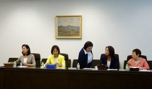 民進党女性議員懇談会。今回の参院選で5人の新人女性議員が増えました。