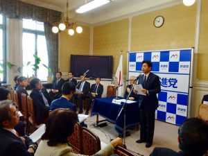 代議士会での山井国対委員長の挨拶。