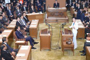 今国会初、蓮舫代表にとっても初めてとなる党首討論。
