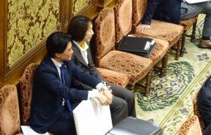 衆議院予算委員会において天下り問題について集中審議が行われました。