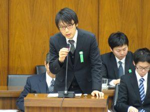 参考人。『子育て支援が日本を救う』の著者で京都大学大学院准教授の柴田悠さん